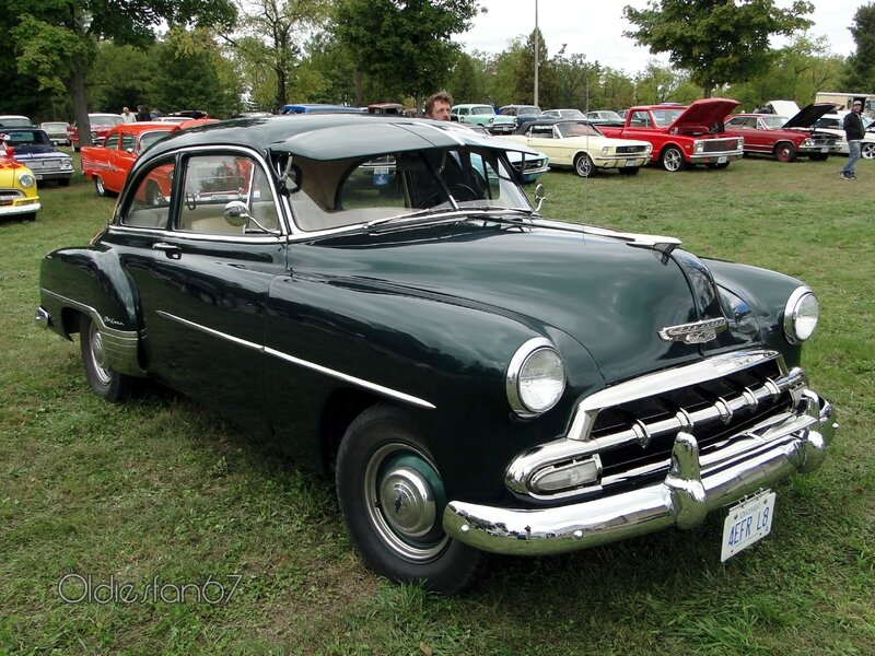 chevrolet-styleline-deluxe-2door-sedan-1952-c