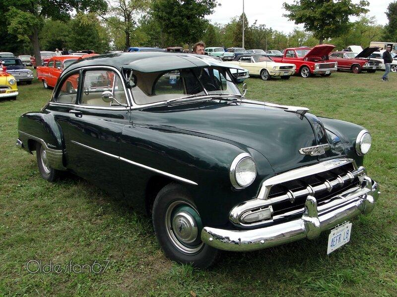 chevrolet-styleline-deluxe-2door-sedan-1952-c