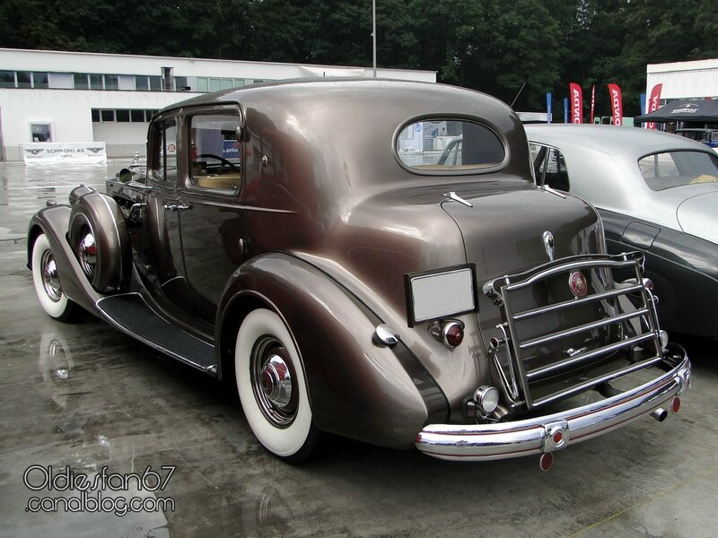 1937-packard-12-club-sedan-02