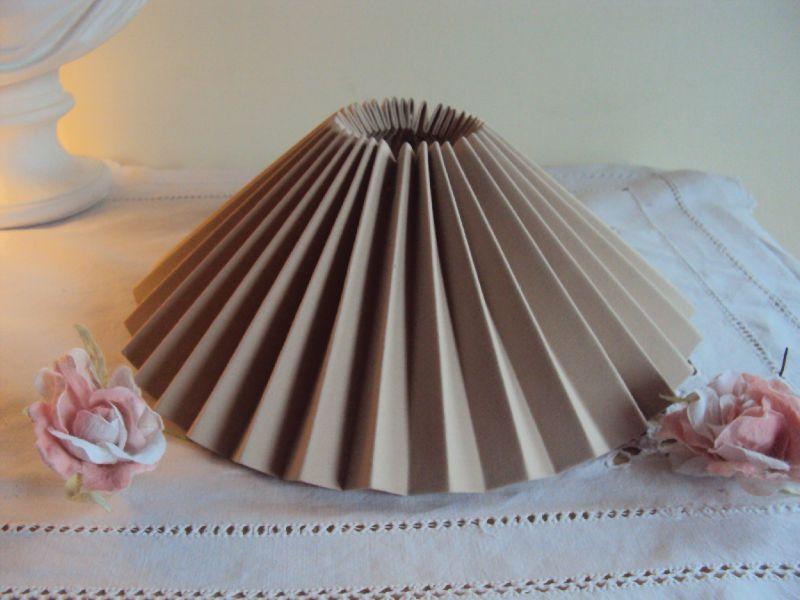 abat jour pliss la petite boutique des lucioles. Black Bedroom Furniture Sets. Home Design Ideas
