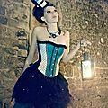 Portrait de laura chobeau, créatrice des corsets bouton de fée