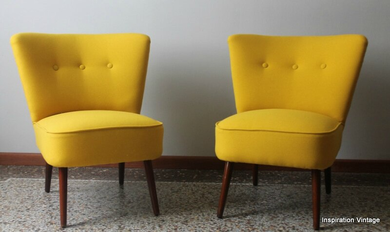 Paire De Fauteuils Cocktail 50S Jaune finition 3 Boutons