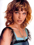 milla_jovovich_elle_2002_may_p1