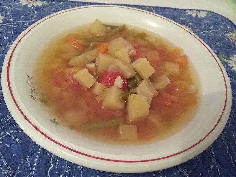 Soupe asiatique aux légumes printaniers et au bœuf