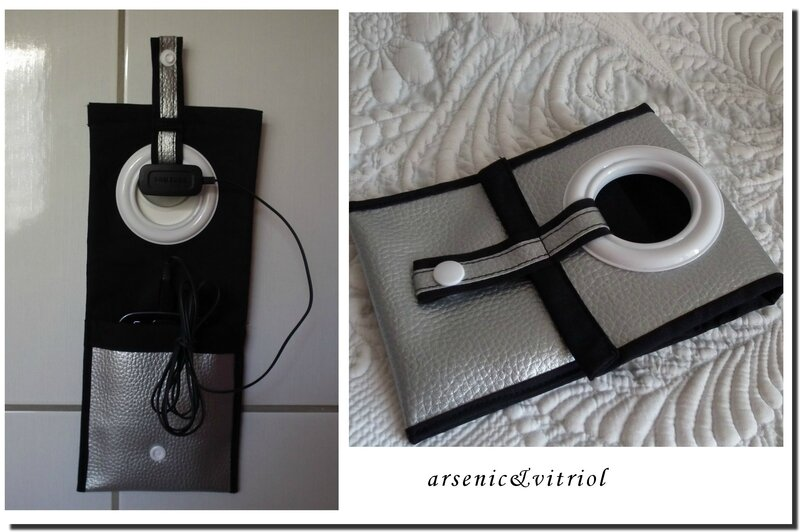 porte chargeur telephone argent