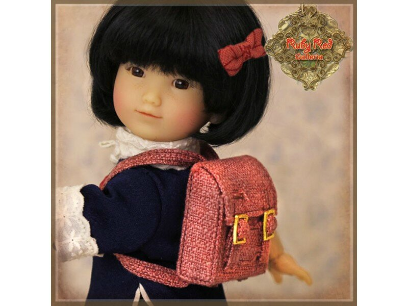gigi-a-l-ecole-5eme-edition-ten-ping-and-friend-ruby-red (2)