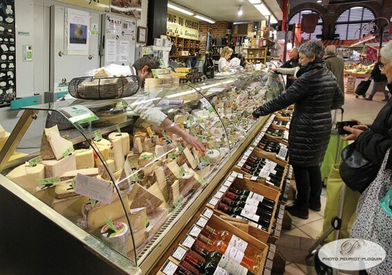CAHORS_Les_Halles_Fromagerie_Marty_