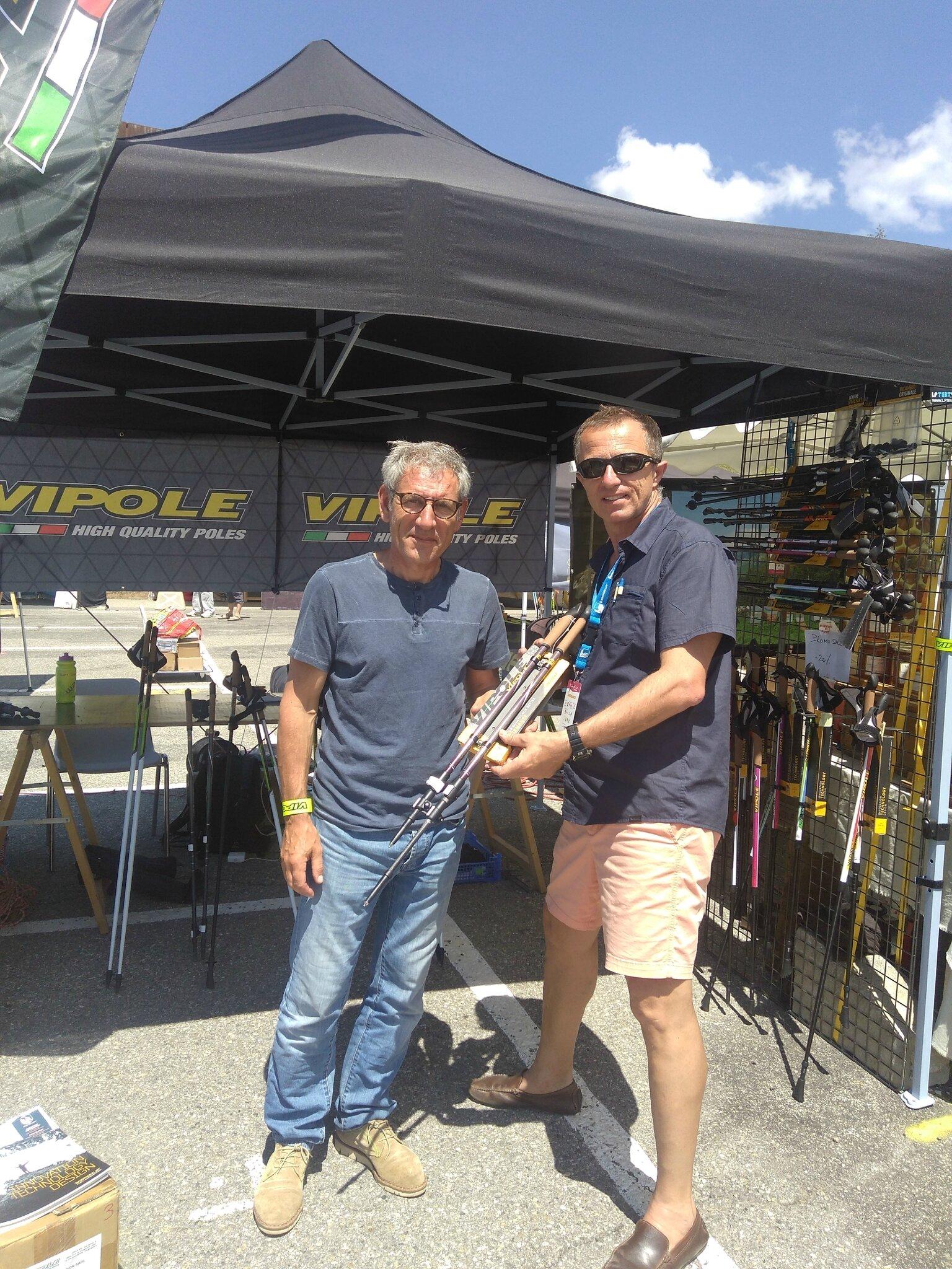 Régis Boucher Snowpark Distribution me permet de tester les bâtons VIPOLE sur le GR5