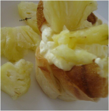 Coupelles_croustillantes___la_cr_me_au_rhum_et___l_ananas