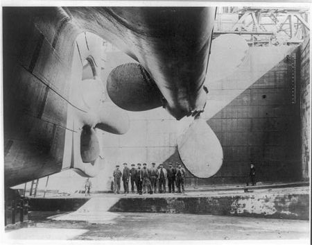 Titanic_rudder_before_launch