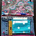 50. jean et imprimé fuchsia et turquoise - intérieur