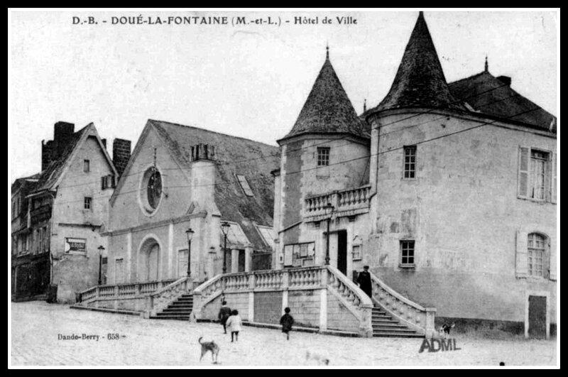 Doué-la-Fontaine hôtel de ville