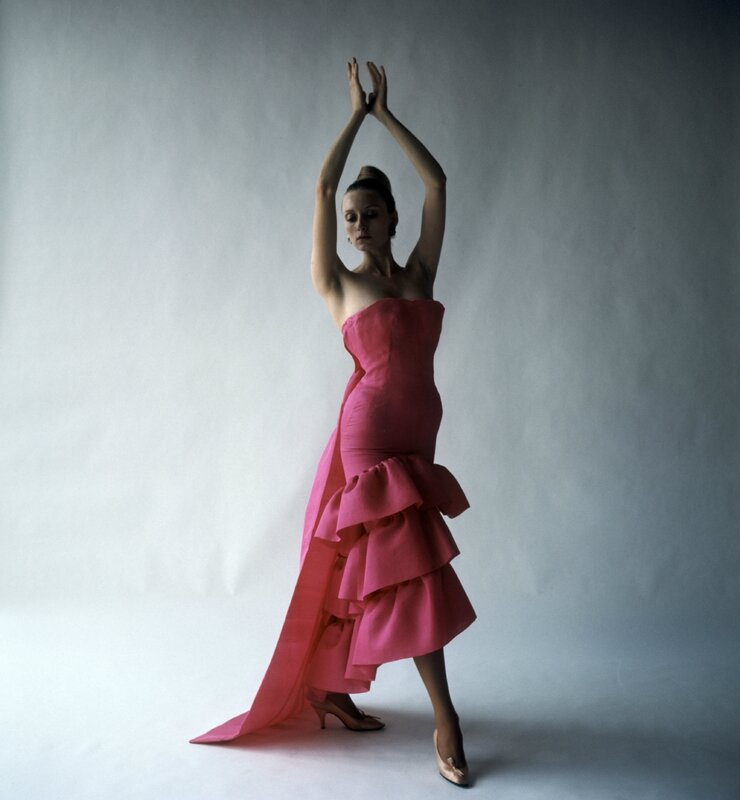 Flamenco-style_evening_dress_Crist├│bal_Balenciaga_Paris_1961