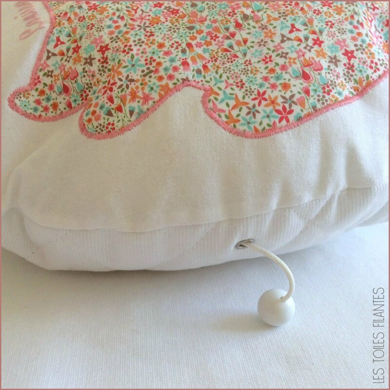 Coussin rond musical appliqué Lapin3