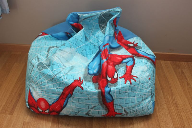 pouf poire spider man mellow forever. Black Bedroom Furniture Sets. Home Design Ideas