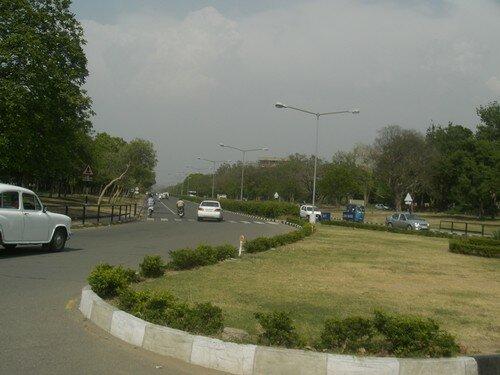 Chandigarh, ville tres aeree et tres verte mais trop betonnee