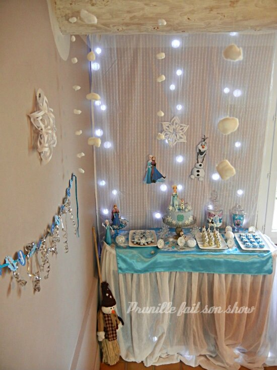 "Fête d'anniversaire ""la reine des neiges"" et sa sweet table - Frozen birthday party"