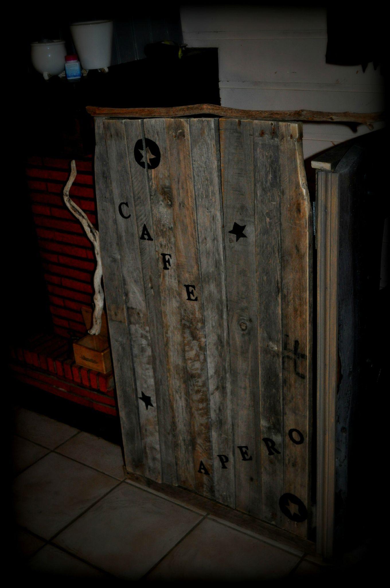 Idée créative avec du bois de palettes et du bois flotté   atelier ...