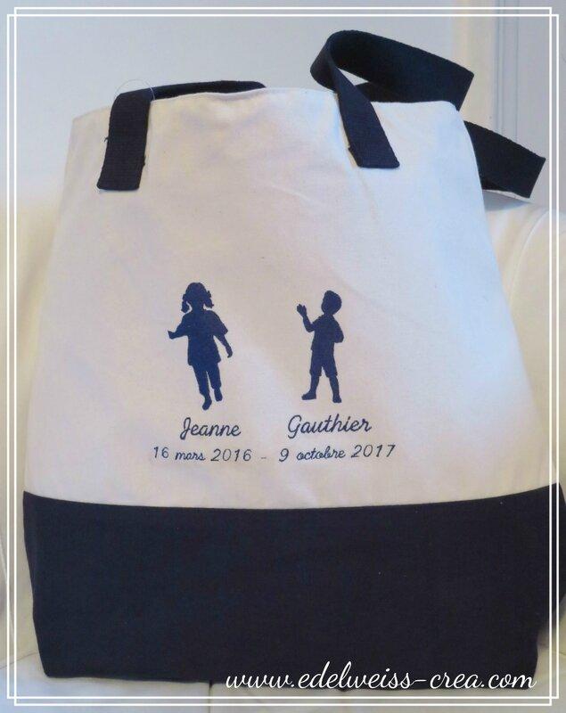 Sac broderie silhouette et prénom des enfants - Cadeau de naissance personnalisé