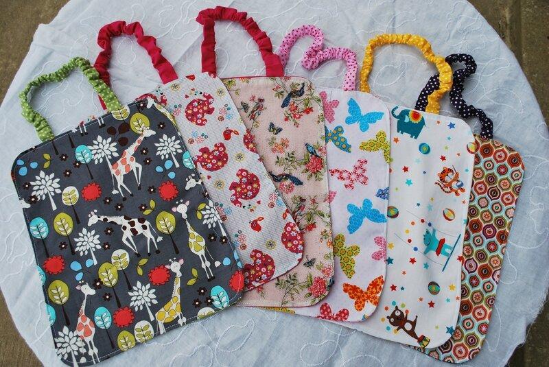 lingettes, serviettes bandeaux enfants robes tabliers 017