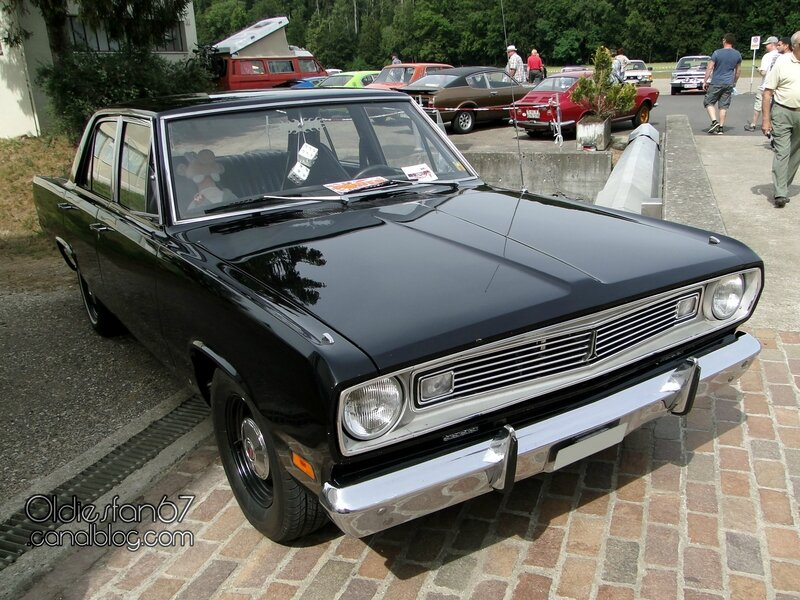 plymouth-valiant-sedan-1969-01
