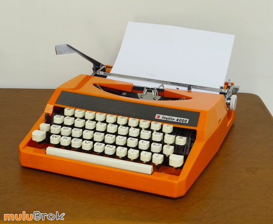 MACHINE-A-ECRIRE-Orange-1-muluBrok-Vintage