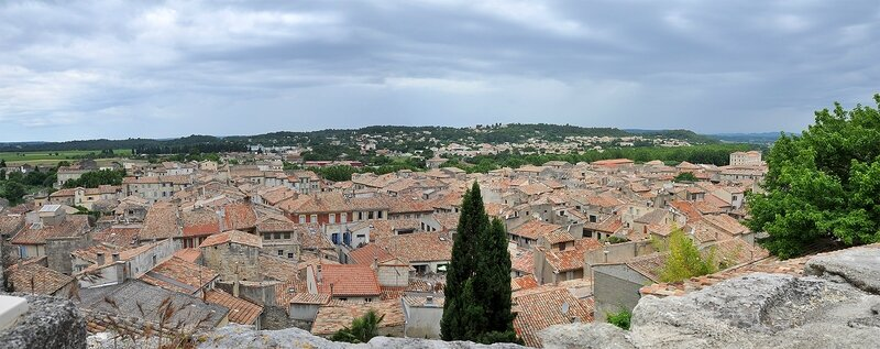 Sommieres_toits_pano