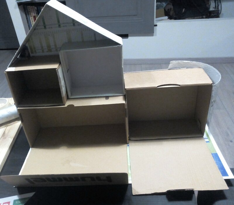 maison-en-carton-avant