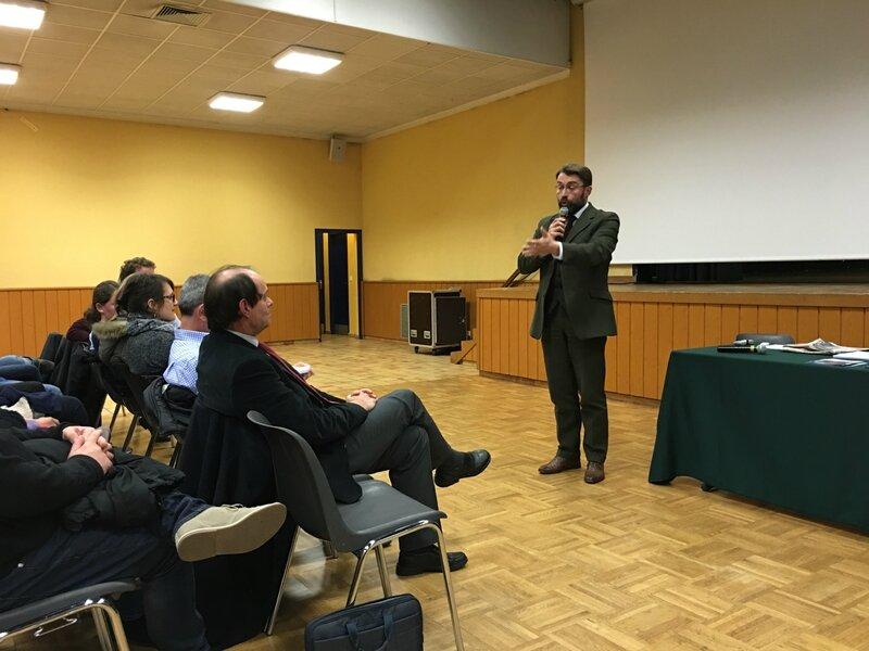 Centre d'Accueil de Demandeurs d'Asile CADA Avranches réunion publique 2016 David Nicolas maire Guénhaël Huet député LR débat
