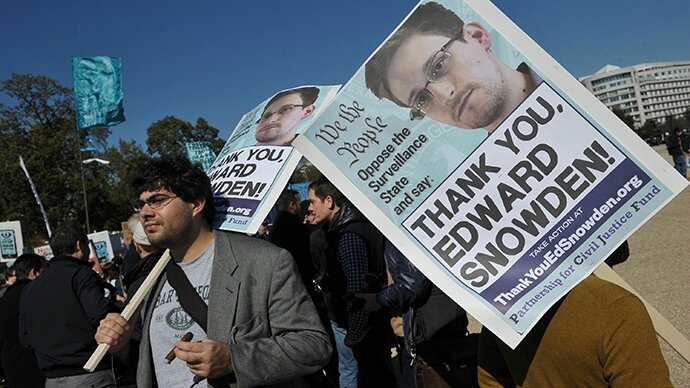 Snowden-thank-you-protesters