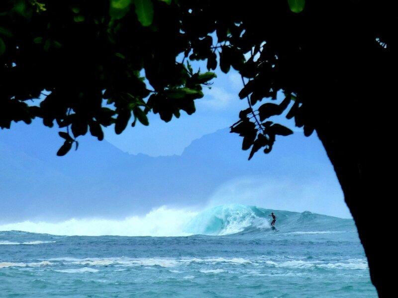 Huahine surf