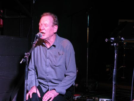 12-05-06_24_Phil Minton