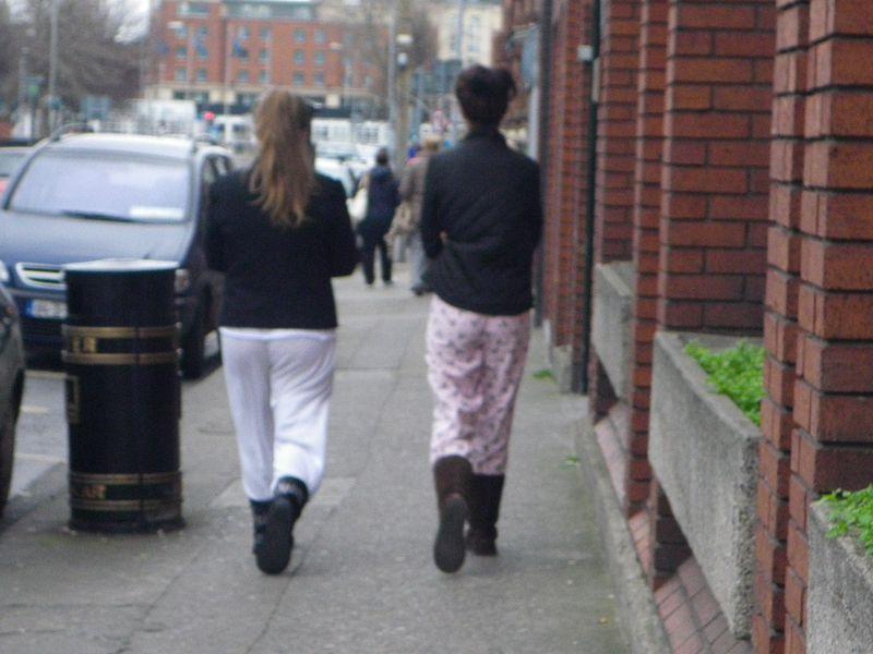 Irlandaises en pyjama dans la rue, c'est normal !