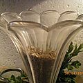 p'tit vase tulipe sur pied marbre noir ancien 014