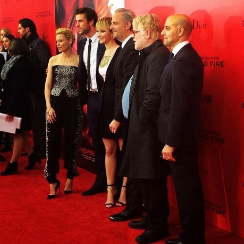 La-parenthese-doree-jennifer-lawrence-liam-hemswotrh-elizabeth-banks-hunger-games-l'embrasement-catching-fire-avant-premiere-new-york-06