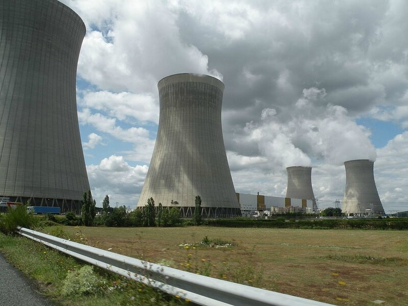 Dampierre_en_Burly_centrale_nucléaire_photo_Pymouss