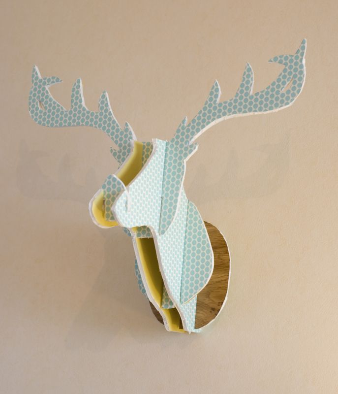 diy fun cardboard deer head comment cr er une t te de cerf en carton noces de coton. Black Bedroom Furniture Sets. Home Design Ideas