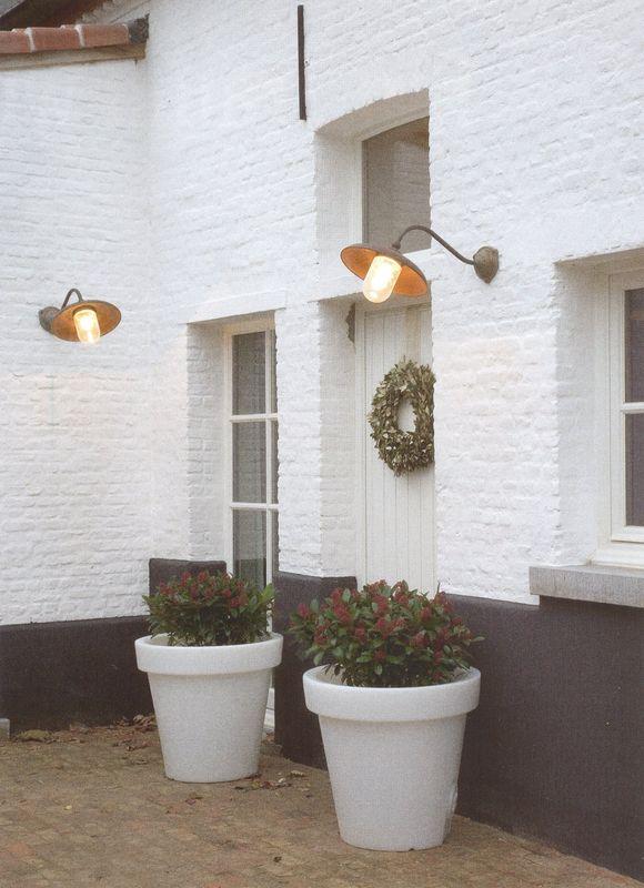 Le jardin fa ade balcon terrasse etc surtout - Peindre la facade de sa maison ...