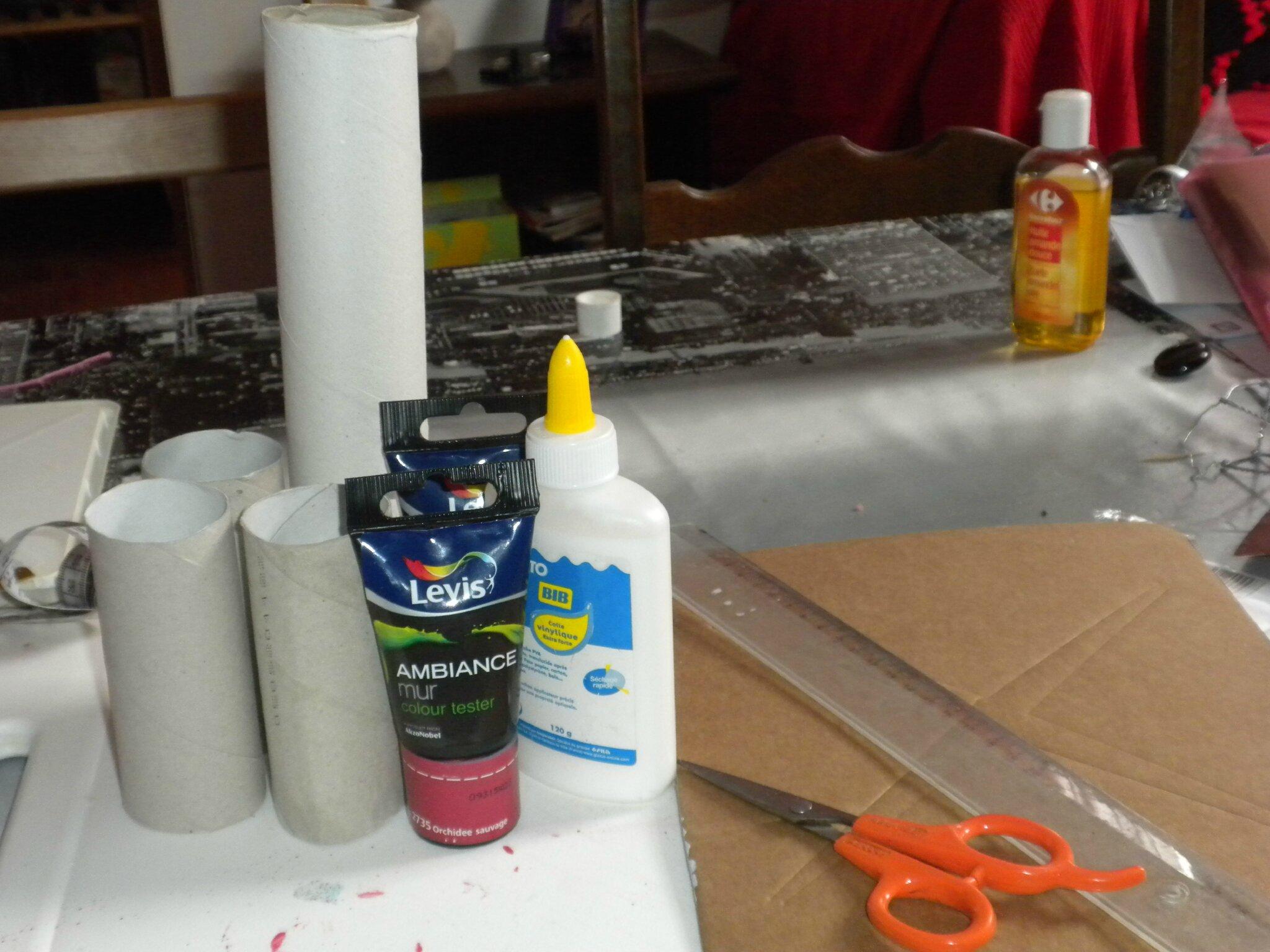 D coration fleur en rouleaux papier toilette ou autres for Rouleau de peinture decorative