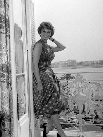 WA2140087_Sophia_Loren_at_Cannes_Film_Festival_May_1958_Affiches