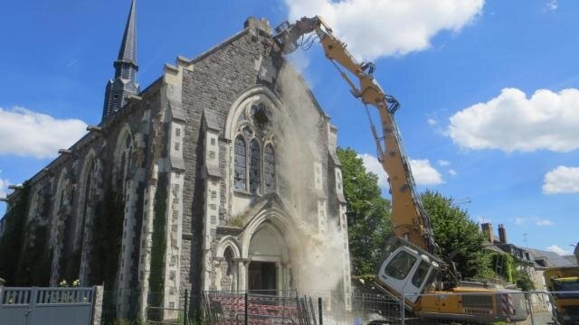 sable_la_demolition_de_la_chapelle_saint_martin_debute