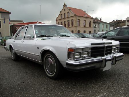 CHRYSLER Le Baron Medallion 4door Sedan 1979 La Ronde Saulnoise 2010 1