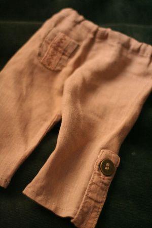 Pantalon 42cm (détails ou non) 7 euros