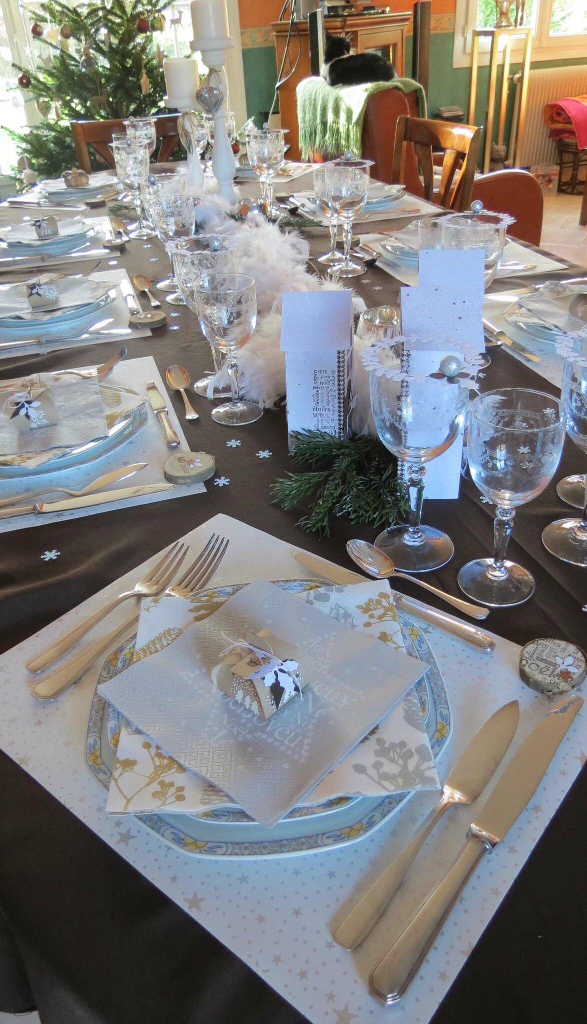 #9B5F30 Ma Table De Noël 2014 CaféChocoScrap 6155 decoration de table de noel 2014 1175x2048 px @ aertt.com