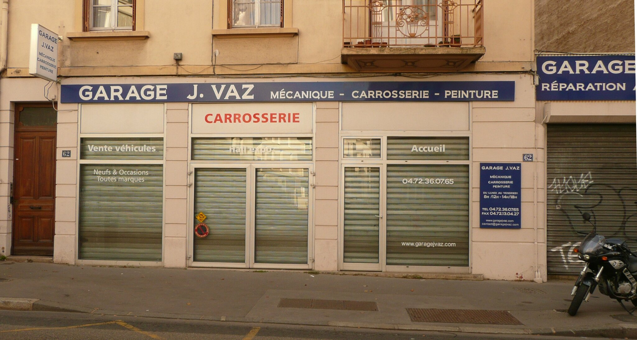 J vaz lyon rh ne devanture bulent for Garage mecanique lyon