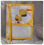 Protège carnet de santé à broder CANARELY jaune