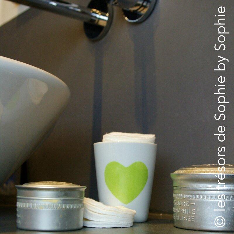 Porcelaine peinte à la main chupito coeur vert et coton © les trésors de Sophie by Sophie