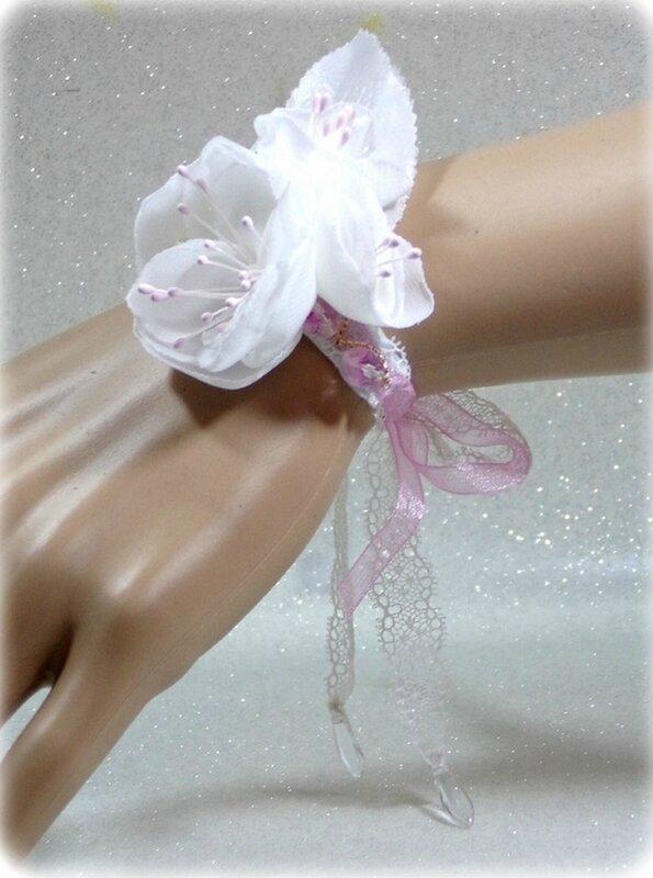 Bracelet fleurs mariée rose et blanc