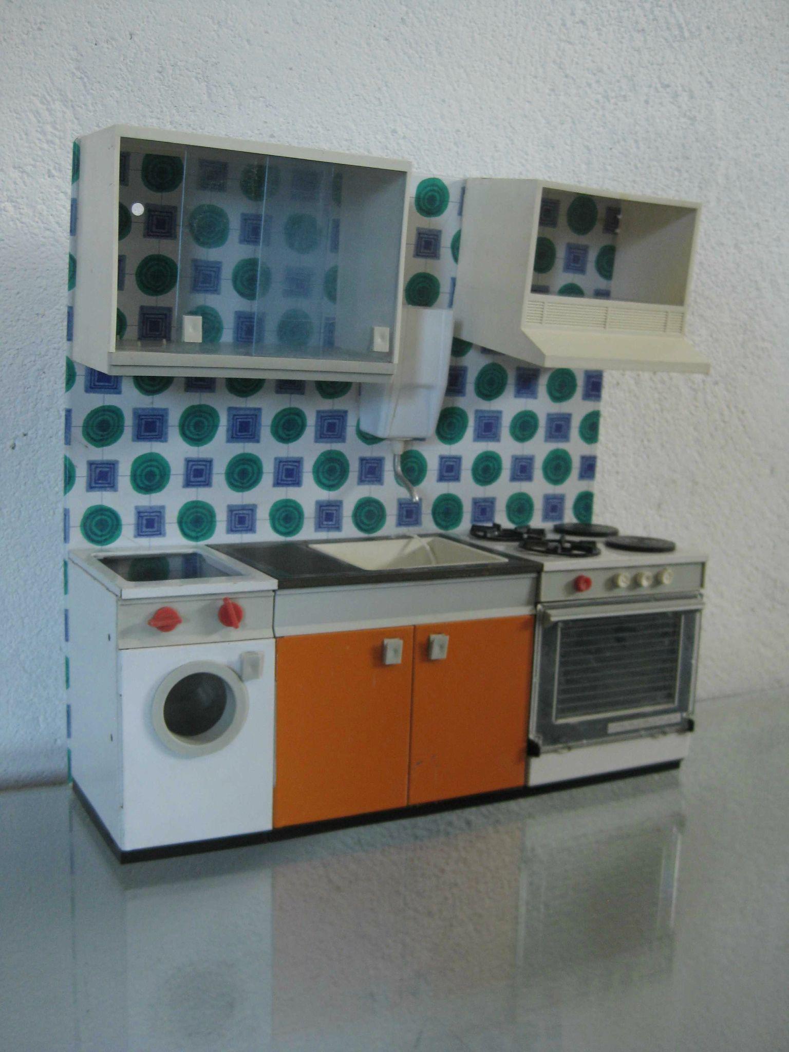 Extrêmement ancienne cuisine de poupée collector - mam'zelle a la cote LY09