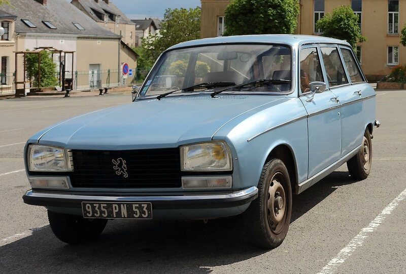 Peugeot_304_break_Renazé